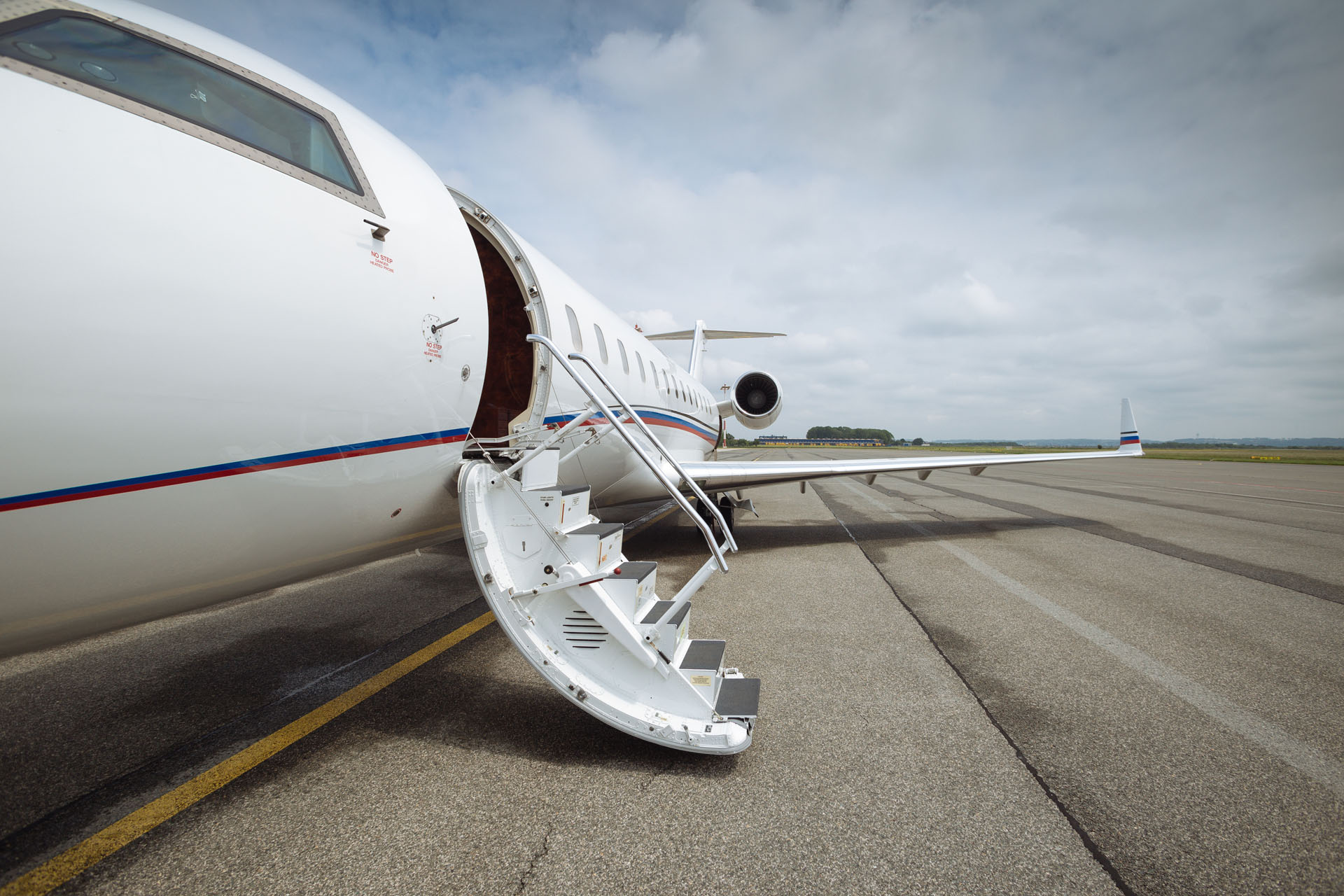 corporate jet charter paris